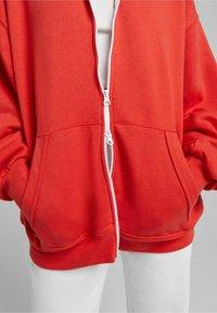 Bershka - OVERSIZE - Sweater met rits - red - 3