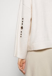 Pinko - GUYANA SWEATER - Sweter - white - 5