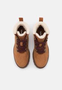 Timberland - COURMA KID UNISEX - Šněrovací kotníkové boty - rust - 3