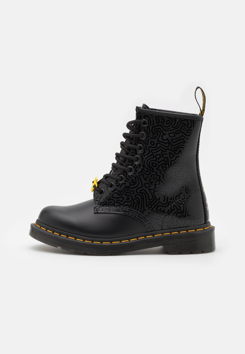Dr. Martens - 1460 KH-8 EYE BOOT UNISEX - Veterboots - black