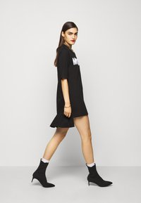 MOSCHINO - DRESS - Trikoomekko - black - 5