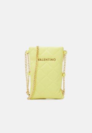 OCARINA - Phone case - giallo