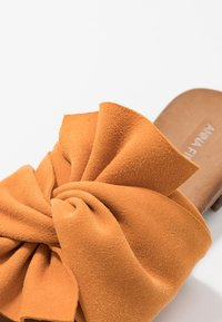 Anna Field - LEATHER - Mules - orange - 2