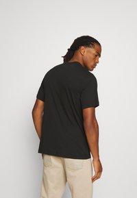 Nike Sportswear - TEE SUMMER PHOTO - Print T-shirt - black - 2