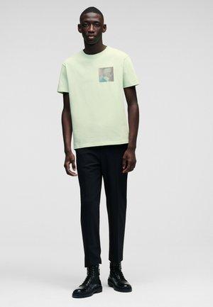 Marškinėliai su spaudiniu - 651 pastel gree