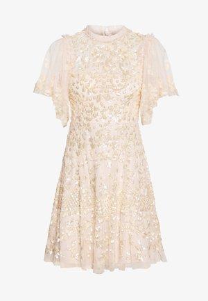 HONESTY FLOWER DRESS - Koktejlové šaty/ šaty na párty - pink