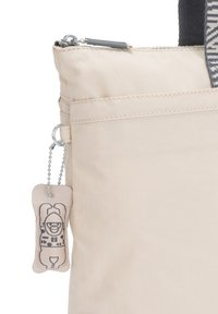 Kipling - CHIKA - Shopping bags - ice ivory - 4