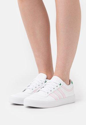 BRYONY - Sneakers laag - footwear white/clear pink/green