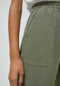 PULL&BEAR - Tracksuit bottoms - dark green - 3