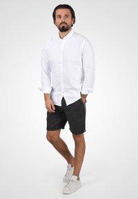 Solid - LORAS - Shorts - black - 1