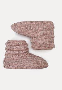 OYSHO - Ankle boots - rose - 2