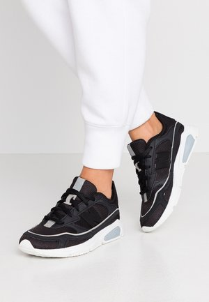 WSXRC - Trainers - black