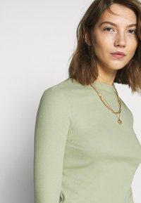 Monki - Long sleeved top - green dusty light - 4