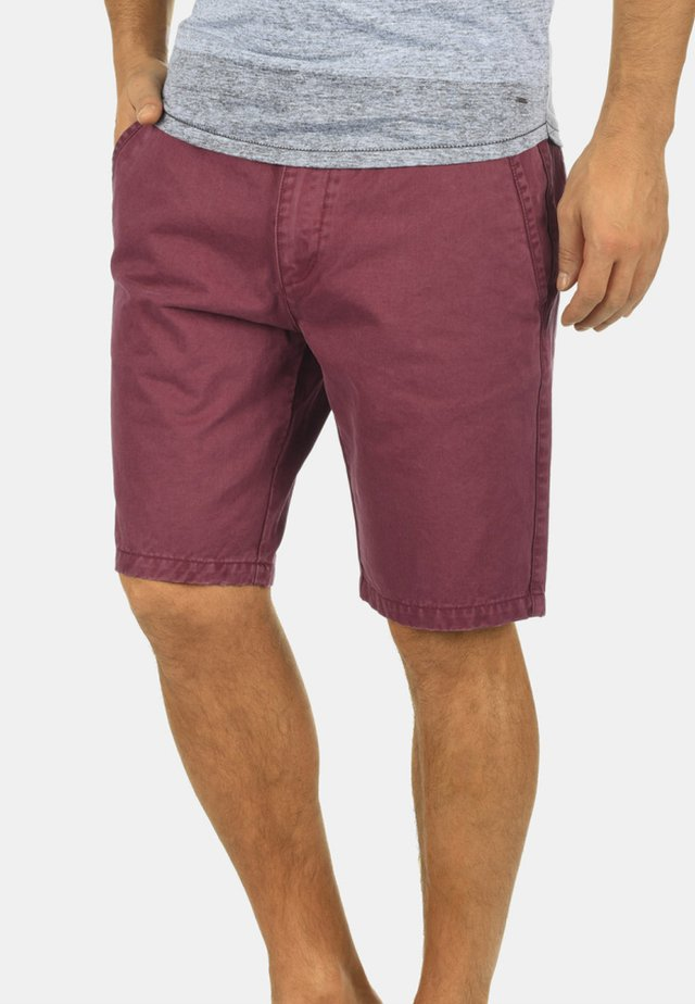 PINHEL - Shorts - wine red