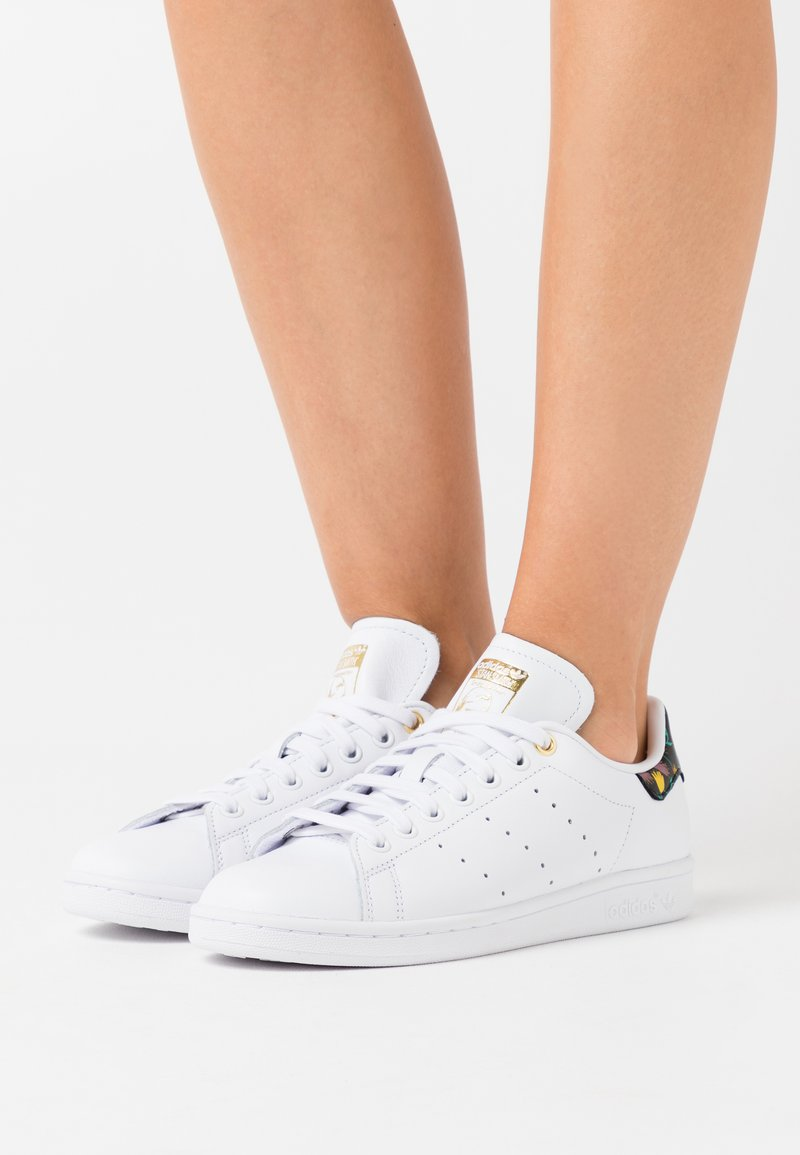 adidas Originals - STAN SMITH - Trainers - footwear white/clear black/gold metallic