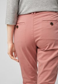 s.Oliver - Trousers - blush - 6