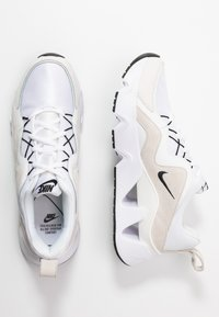 Nike Sportswear - RYZ - Sneakersy niskie - white/black/summit white/phantom - 3