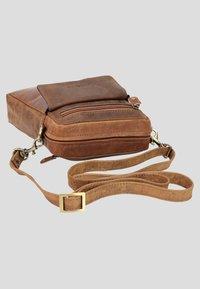 Harold's - ANTIK  - Across body bag - brown - 2