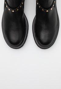 Shoe The Bear - FRANKA CAGE - Cowboy/biker ankle boot - black - 5