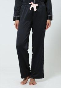 BlueBella - CLAUDIA - Pyjama set - black/pale pink - 3