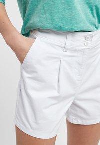 Next - BERRY - Shorts - white - 3