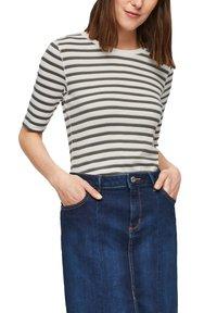 s.Oliver - Print T-shirt - khaki stripes - 3