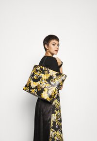 Versace Jeans Couture - Shopping bag - black/yellow - 4