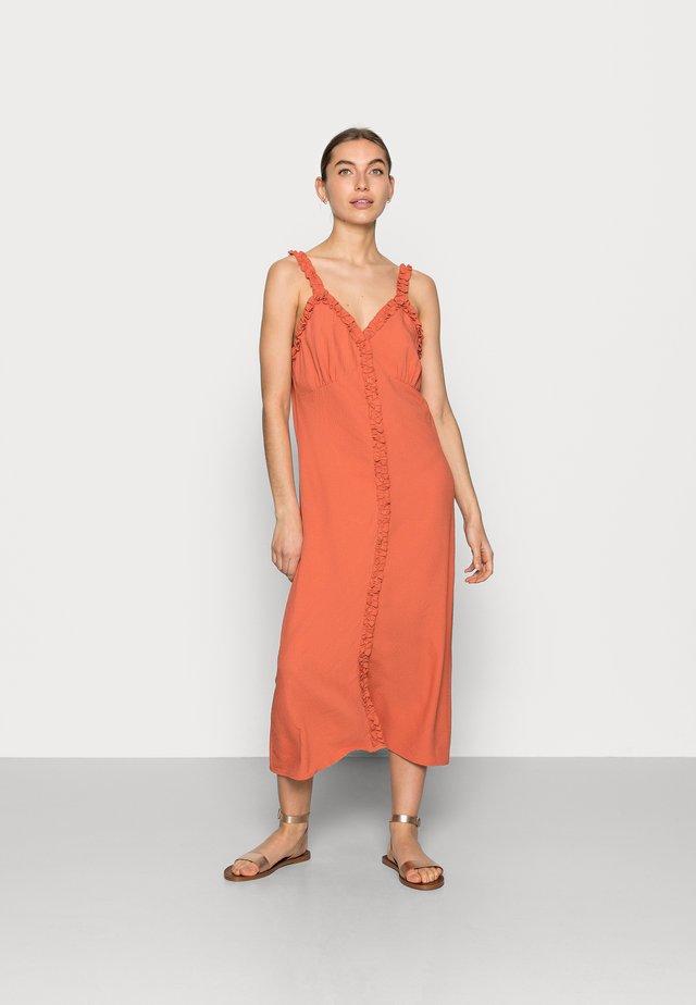 STAY DRESS - Korte jurk - ginger spice