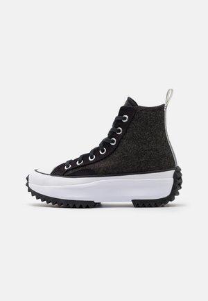 RUN STAR HIKE - Höga sneakers - black/silver/white