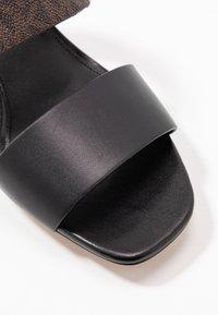 MICHAEL Michael Kors - SUMMER MID - Mules à talons - black - 2