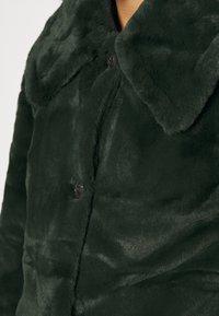 VILA PETITE - VIBODA COLLAR COAT - Classic coat - darkest spruce - 4