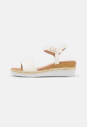 COMFORT - Platform sandals - white