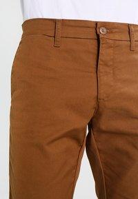 Carhartt WIP - SID LAMAR - Chino - hamilton brown rinsed - 3