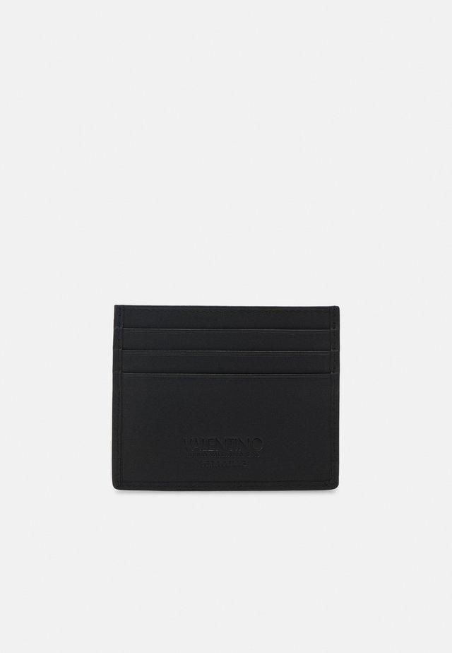 KYLO CREDIT CARD CASE - Plånbok - nero