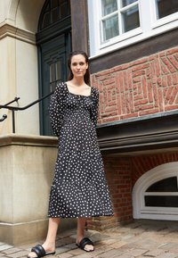 Faithfull the brand - DARIYA MIDI DRESS - Day dress - neoma - 2