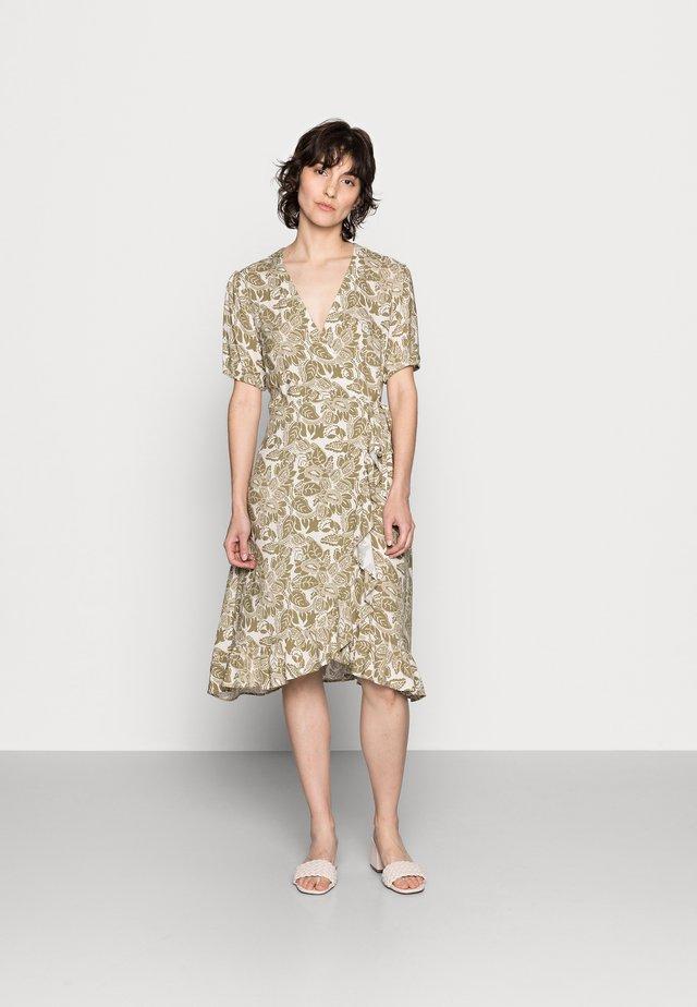 CLAIRE   - Korte jurk - olive drab