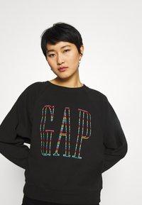 GAP - Sweatshirt - true black - 3