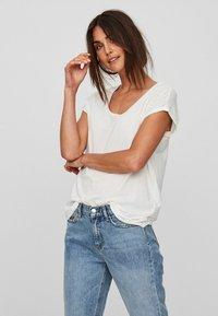 Vero Moda - VMCINA - T-shirts basic - white - 0