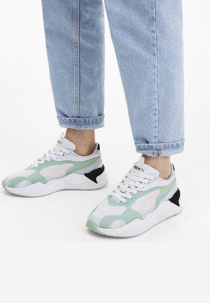 Sneakers laag - mist green