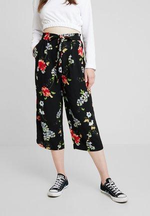 ONLJEAN CROPPED PANTS - Bukse - black
