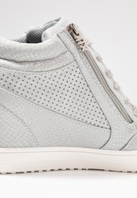 XTI - High-top trainers - ice - 2