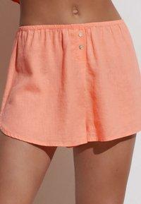 OYSHO - Shorts - coral - 3
