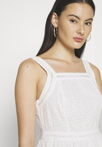Superdry - BLAIRE BRODERIE DRESS - Sukienka letnia - chalk white - 5