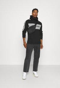 Kings Will Dream - CHAPMAN HOODIE - Sweatshirt - black/grey - 1