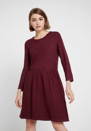 Jumper dress - tawny port