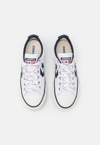 Converse - STAR PLAYER UNISEX - Sneakers laag - white/obsidian/egret - 3