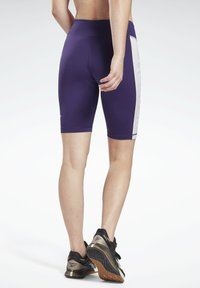 Reebok - LINEAR LOGO FITTED SHORTS - Sports shorts - purple - 2