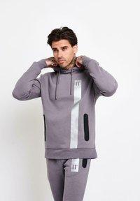 11 DEGREES - Jersey con capucha - grey - 0