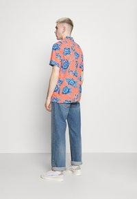 Levi's® - CLASSIC CAMPER UNISEX - Shirt - yellows/oranges - 2