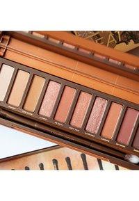 Urban Decay - NAKED HEAT PALETTE - Eyeshadow palette - - - 5